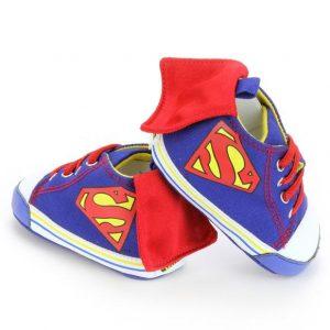 Chaussures superman avec cape